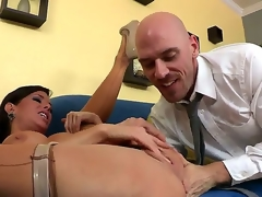 Skilful and experienced Johnny Sins licks and fingers pussy of Veronica Avluv making her squirt while wearing nylons and that looks very hot