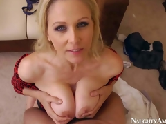 Julia Ann is an unfaithful wife that has a great time fucking with her co-worker. Beautiful blonde milf acquires her biggest pointer sisters banged previous to she takes dick in her bald aged muff