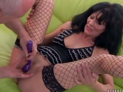 Long haired aged brunette Regina in fishnet stockings spreads her hawt legs and then stud makes her squirt. That babe gets her hole finger fucked and her clitoris vibrated previous to that babe gets agonorgasmos