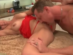 Cocksucking housewife with glamorous large love muffins