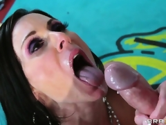 The final bell dings as this horny boxer unloads his jizz on her marvelous MILF face